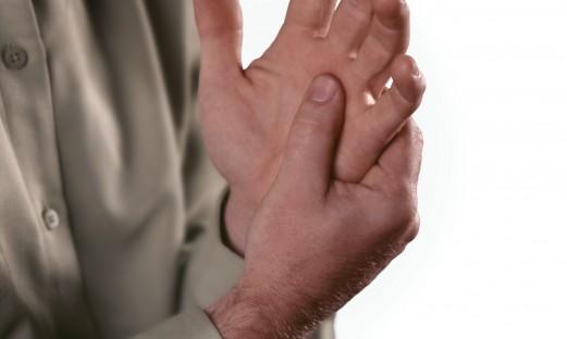 ledgångsreumatism, värkande hand