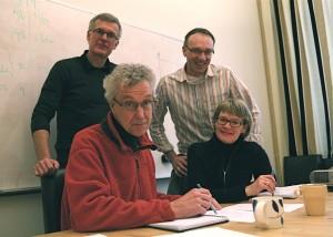 Sittande Stefan Lohmander och Ewa Roos, stående från vänster Harald Roos och Richard Frobell.