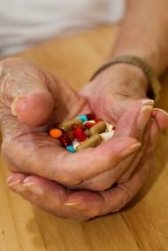 Färre läkemedelsfel för de äldre