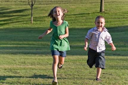 springande barn