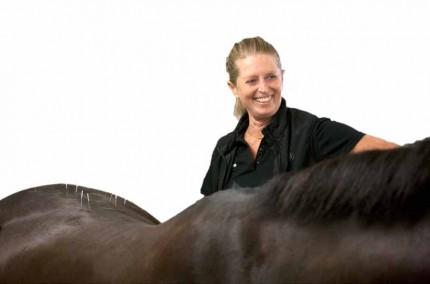 Maritta Hallenborg med sin häst