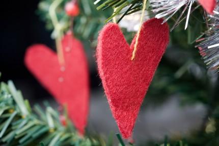 Juldekoration i form av hjärtan