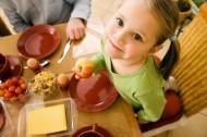 barn som äter