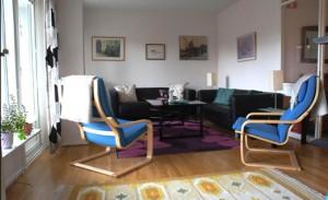 Vardagsrummet i en familjelägenhet för behandling av anorexi. Foto: Barn- och ungdomspsykiatrin, Region Skåne