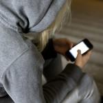 Unga missbrukare får hjälp via mobilen