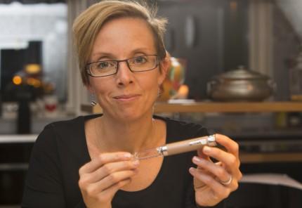 Efter 19 år med felaktig diagnos diabetes typ-1 ändrades den till MOD Y och Annika Jönsson slapp ta dagliga sprutor. 20 000 injektioner i onödan! foto: drago prvulovic/ malmöbild.