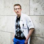 Sveriges första medicinprofessor i spelberoende