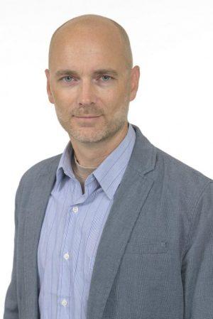 Martin Englund, forskare vid Lunds universitet och leg läkare, är en av de ledande experterna i världen på knäledsartros enligt Expertscape. Foto: Kennet Ruona