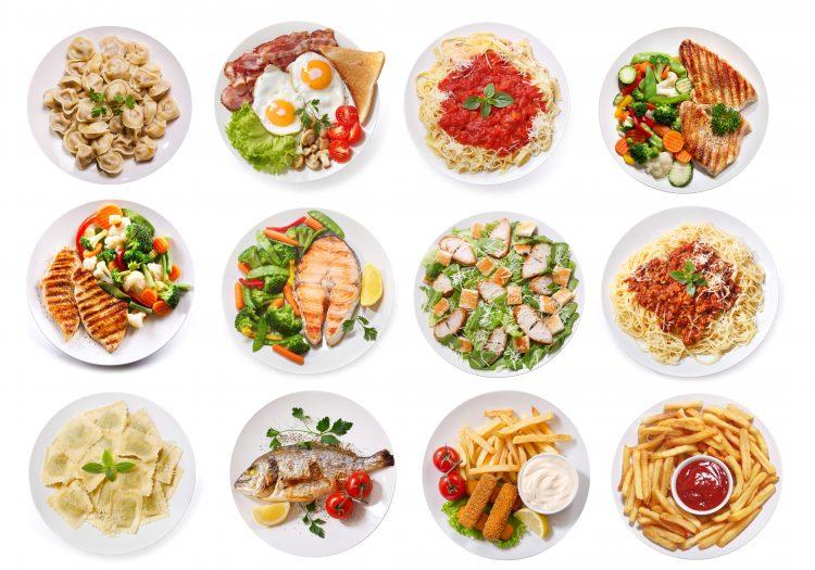 bilden visar 12 tallrikar med olika maträtter, nyttiga och onyttiga. Foto: iStock/nitrub